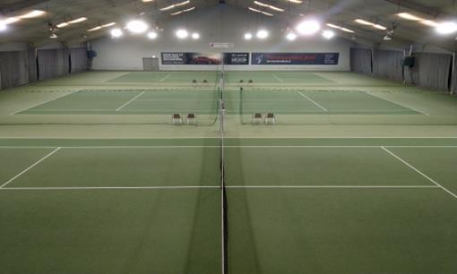 Tennis binnen